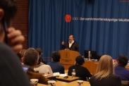 Erik Reinert presenterer alternative forklaringer på finanskrisa.